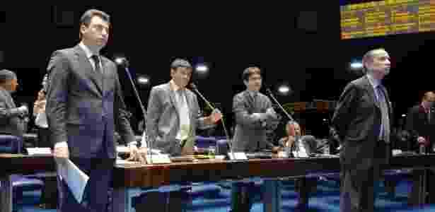 Os senadores Sérgio Souza (PMDB-PR), Wellington Dias (PT-PI), Randolfe Rodrigues (PSOL-AP) e Aloysio Nunes Ferreira (PSDB-SP) durante discussão e votação da PEC do Voto Aberto - Waldemir Barreto/Agência Senado