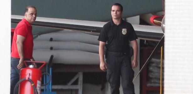 O publicitário Marcos Valério chega a Brasília ao ser preso após condenação no mensalão