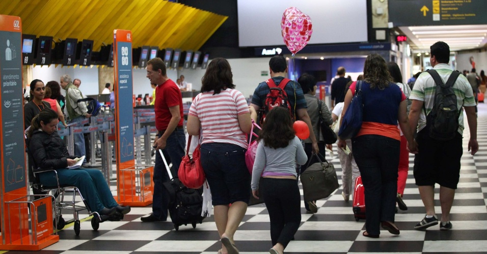 17.nov.2013 - Aeroporto de Congonhas em São Paulo (SP) na manhã deste domingo (17), na volta do feriado