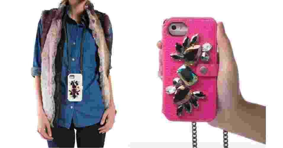 Que tal transformar seu iPhone em um colar moderninho? Essa é a proposta desta capinha para o smartphone. Por US$ 99 (R$ 230), você pode adquirir uma capinha sintética com a corrente para pendurar no pescoço e ficar com as mãos livres. O produto é uma criação da marca Vanesa Rey - Divulgação