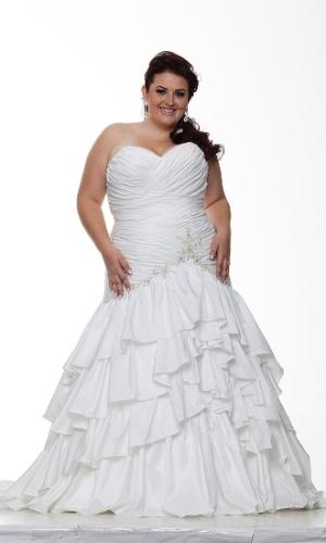 23037d706 Fotos: Veja vestidos de noivas tamanho grande - 22/11/2013 - UOL ...
