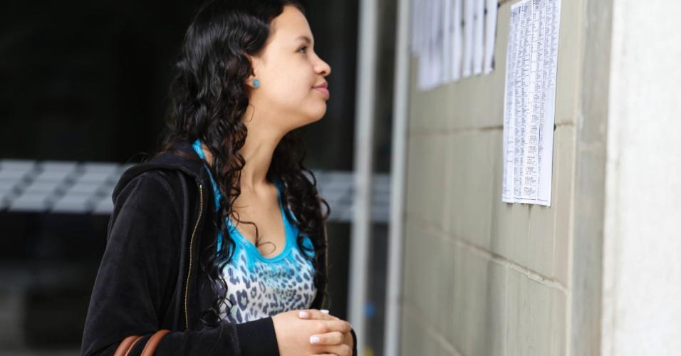 24.nov.2013 - Inscrita na Fuvest 2014, Nathalya França Marino, 20 anos, vai prestar direito; ela faz a prova na Cidade Universitária, zona oeste de São Paulo