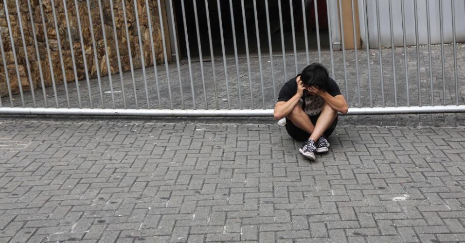 24.nov.2013 - O candidato Chon Yong Lee, 18, chegou atrasado na unidade da Barra Funda da Uninove, zona oeste de São Paulo, e perdeu a primeira fase da Fuvest, realizada neste domingo