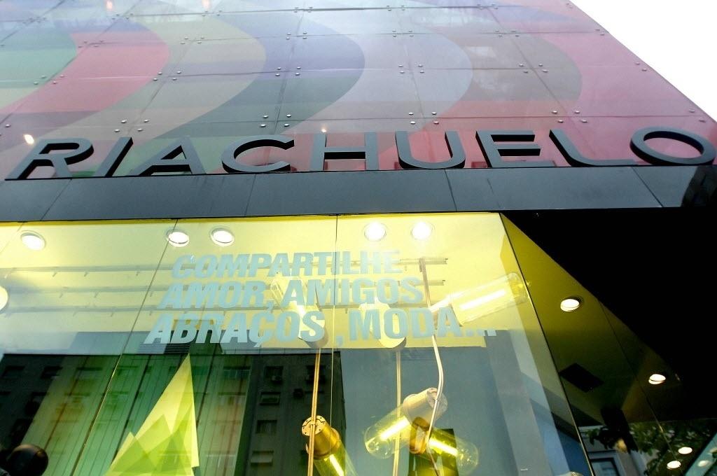 5d9b89270e Fotos  Riachuelo abre loja na Oscar Freire