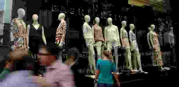 Estudo da Deloitte mostra que intenção de 53% das redes é abrir lojas na rua e 33% nos shoppings - Reinaldo Canato/UOL