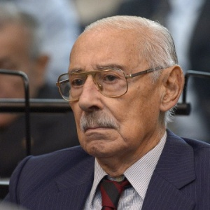 O ex-ditador argentino Rafael Videla, durante julgamento em Buenos Aires que investiga os crimes cometidos durante a Operação Condor, em março de 2013 - Juan Mabromata/AFP