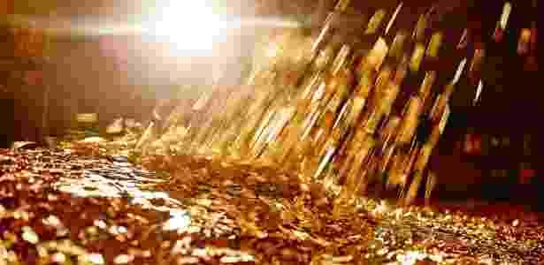 Cofre que lembra caixa-forte do Tio Patinhas está à venda na Suíça com 8 milhões de moedas de franco suíços - Divulgação/JamesEdition - Divulgação/JamesEdition