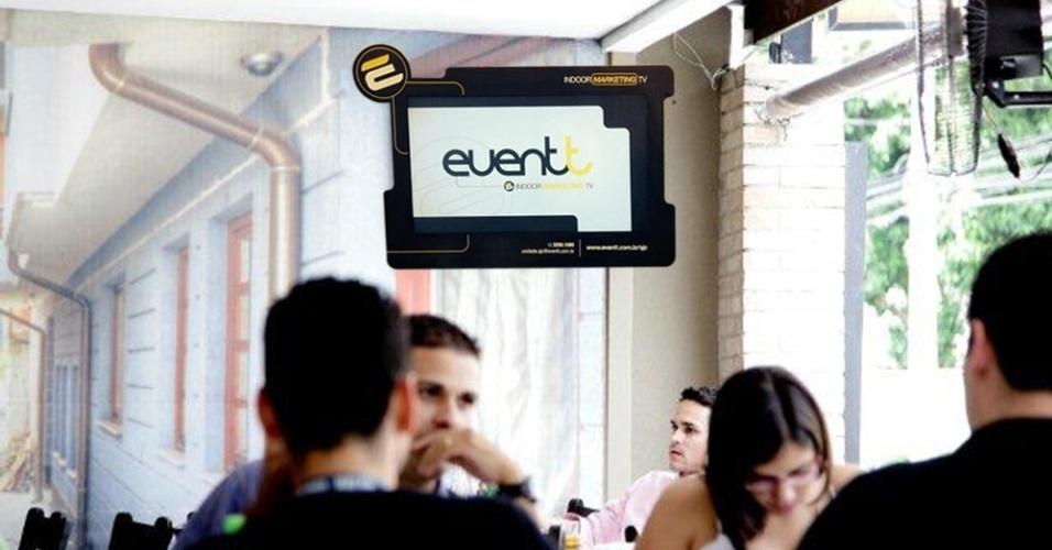 Franquia Eventt exibição de campanhas publicitárias em televisores em estabelecimentos comerciais