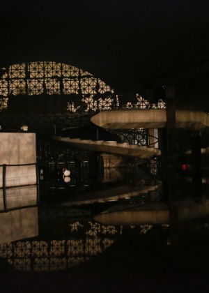 O auditório Simon Bolívar após o incêndio de sexta-feira - Alice Vergueiro/Futura Press/Estadão Conteúdo