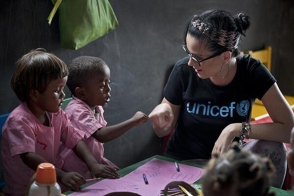 4.dez.2013 - A cantora Katy Perry foi nomeada esta terça-feira a nova embaixadora da Boa Vontade do Fundo das Nações Unidas para a Infância, Unicef. A americana passa a representar a agência internacionalmente, na luta pela melhoria de vida das crianças e dos adolescentes mais vulneráveis. O foco do trabalho dela com a agência da ONU