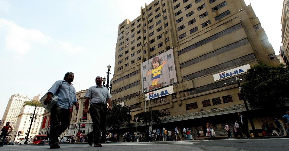 Fachada do antigo prédio do Mappin na praça Ramos Azevedo, no centro de São Paulo (SP). O local abrigará a 394ã loja das Casas Bahia. (São Paulo, SP, 24/12/2004)
