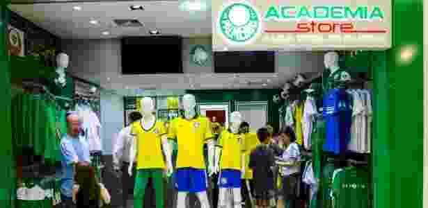 ff287132e4 Palmeiras lança loja em Curitiba e chega à quarta franquia fora de ...