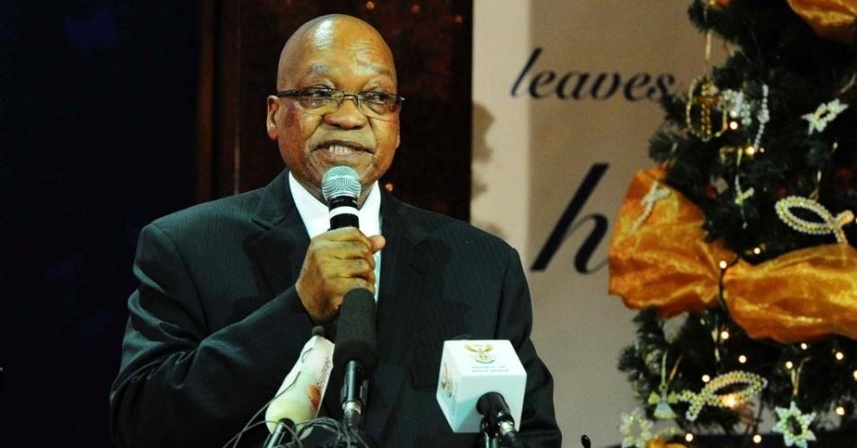 8.dez.2013 - O presidente da África do Sul, Jacob Zuma, participa de cerimônia em homenagem a Nelson Mandela na Igreja Metodista de Bryanston de Johannesburg, durante o Dia Nacional da Oração em homenagem ao líder sul-africano, que morreu na quinta-feira (5), aos 95 anos