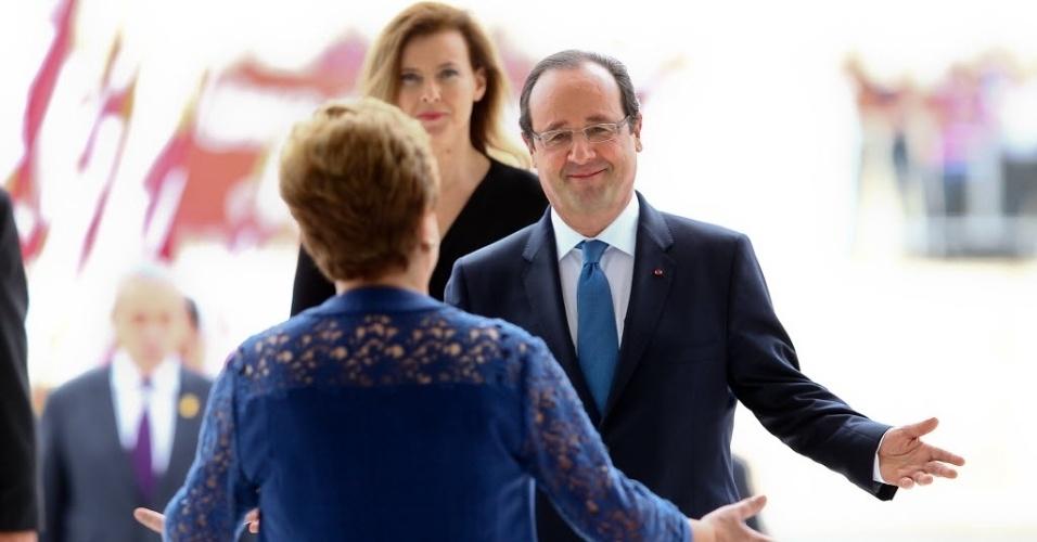 12.dez.2013 - A presidente Dilma Rousseff recebe nesta quinta-feira (12) o presidente da França, François Hollande, no Palácio do Planalto, em Brasília. O líder francês ficará dois dias no país