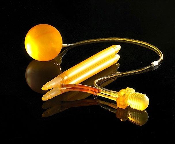 2006 - Modernização das próteses com o lançamento do modelo LGX, única prótese peniana que tem expansão controlada tanto no volume como no comprimento e nova bombinha, que facilita ainda mais a utilização