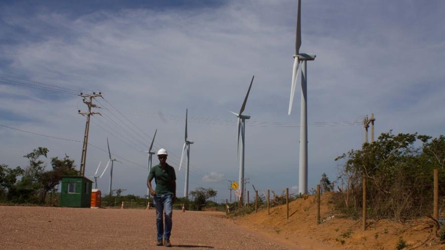 Torres eólicas paradas em Caetité, na Bahia, em 29 de janeiro de 2013 - Claudio Amaral/Folhapress