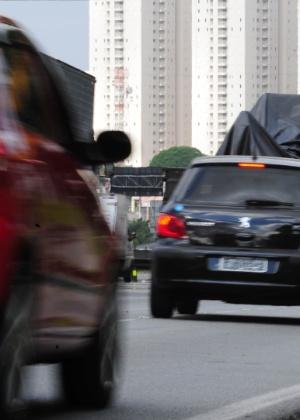 Rodovia Presidente Dutra, que liga São Paulo ao Rio de Janeiro