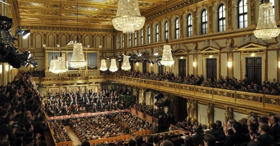 30.dez.2013 - A orquestra filarmônica de Viena ensaia para a apresentação de Ano Novo, na sala de concertos Musikverein, em Viena, na Áustria