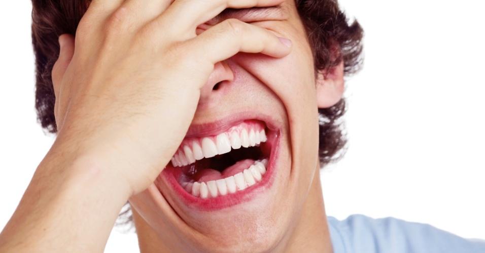 Risada; dar risada; rir; gargalhar; gargalhada; morrer de rir; bom humor; comédia