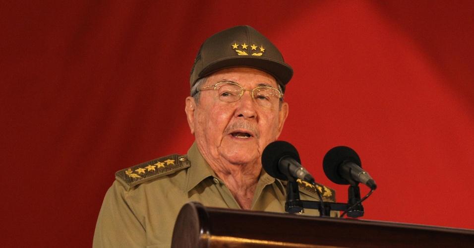 2.jan.2014 - Presidente de Cuba, Raúl Castro, discursa durante uma cerimônia que marca o 55 º aniversário da Revolução Cubana em Santiago de Cuba, cerca de 900 km ao sudeste de Havana
