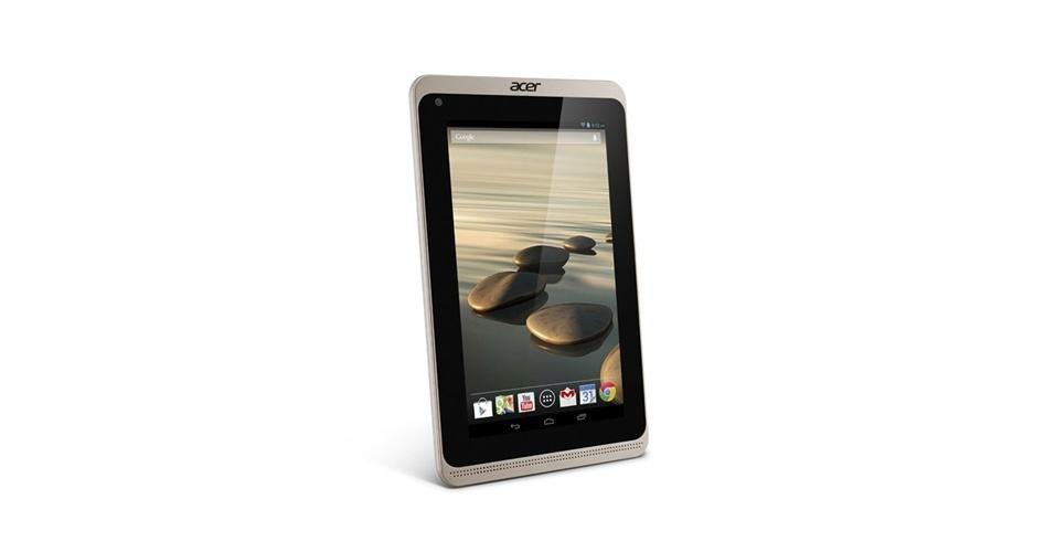 3.jan.2013 - A terceira geração do Iconia B1, tablet de 7 polegadas da Acer, ganhou um design mais fino e uma moldura menor. A tela possui resolução de 1024×600 pixels, além de microfones e alto-falantes frontais para ajudar em videoconferências. Ele roda Android 4.2.1, possui dual-core (MediaTek MT8111 Cortex A7) de 1,3 GHz e armazena até 16 GB. Será vendido a partir deste mês nos EUA por US$ 129,99 (R$ 309)