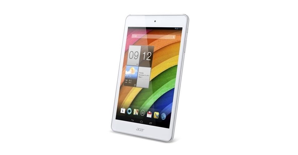 3.jan.2013 - Outra novidade da Acer é o tablet Iconia A1-830, que possui tela de 7,9 polegadas (1.024 x 768 pixels).  O aparelho possui processador dual core Atom Z2560 de 1,6 GHz, roda Android 4.2.1 e armazena até 16 GB. A câmera traseira tem 5 megapixels e a frontal, 1,5 megapixels. O tablet será vendido por US$ 149 (R$ 355) no primeiro semestre deste ano