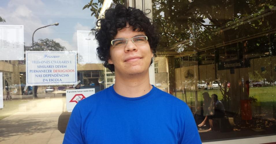 """5.jan.2014 - Emanuel Lima, 21, achou bom o tema da redação por ser um assunto ao qual já está """"familiarizado""""; o rapaz tenta entrar em física"""
