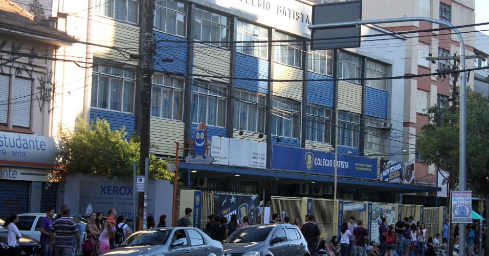 5.jan.2014 - Neste domingo (5) 42.045 inscritos disputam 5.461 vagas oferecidas pela UFRGS (Universidade Federal do Rio Grande do Sul) em 89 cursos superiores