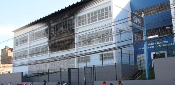 fe41f3cf9cf6f Fachada da escola municipal atingida por incêndio na manhã desta terça-feira  (7)