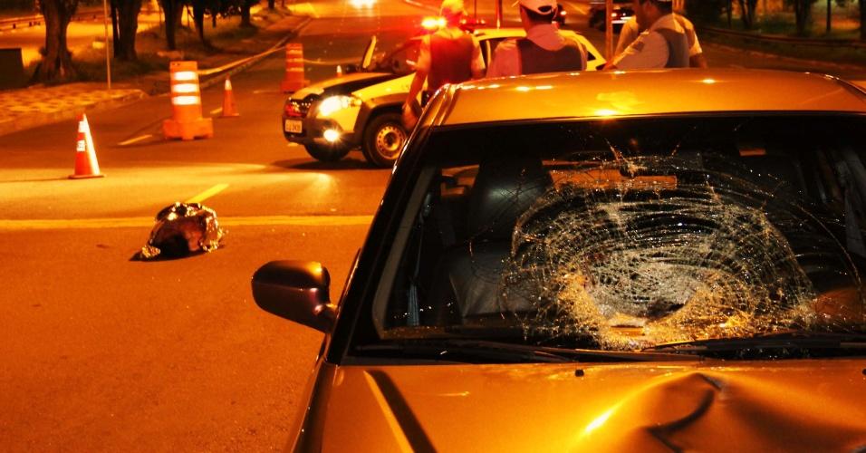 7.jan.2014 - Idosa morre após ser atropelada no viaduto Pompeia, na zona oeste de São Paulo