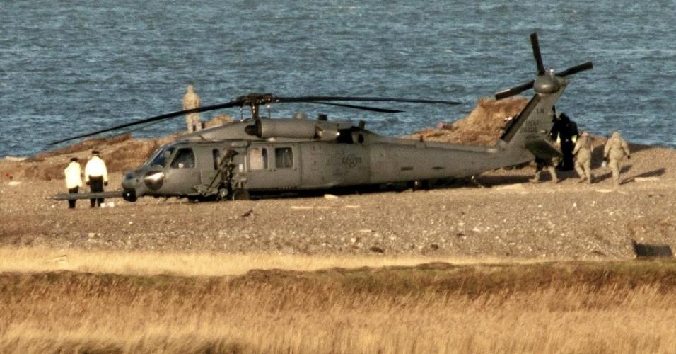 8.jan.2014 - Peritos britânicos investigavam nesta quarta-feira (8) o acidente de helicóptero no leste da Inglaterra no qual quatro militares americanos morreram na noite de terça-feira
