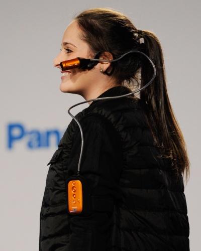 A Panasonic anunciou na CES 2014 a câmera de vídeo HX-A100, classificada pela própria empresa como ''vestível''. Ela faz vídeos em alta definição (Full HD), é à prova d'água e oferece conexão Wi-Fi, que permite transmissão em tempo real das imagens capturadas. Sua bateria, segundo o fabricante, dura 140 minutos com o Wi-Fi desligado. No material de divulgação, a empresa não especifica dimensões, peso, preço e disponibilidade do produto