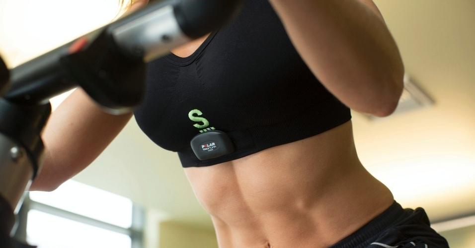 O Sensoria Fitness Bra, feito pela Heapsylon, é um top de ginástica que monitora atividades físicas. Ele, segundo a empresa, substitui eletrodos e ajuda a verificar os batimentos cardíacos da usuária de forma confortável. O acessório, apresentado durante a CES 2014, deve ser usado com um monitor cardíaco da Polar ou da Garmin para acompanhar os resultados em tempo real. Preço sugerido: US$ 60 (R$ 144)