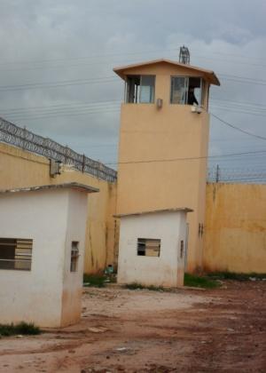 10.jan.2014 - A Comissão de Direitos Humanos da Assembleia Legislativa do Maranhão fez visita ao Complexo Penitenciário de Pedrinhas, em São Luís, no Maranhão, nesta sexta-feira (10). A reportagem do UOL acompanhou com exclusividade os trabalhos dos parlamentares no local