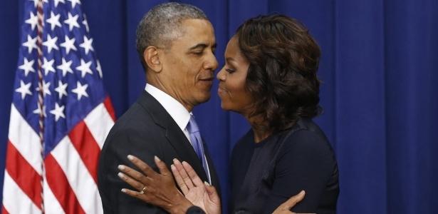 Obama diz que foram mulheres as pessoas mais importantes da vida dele, e cita a primeira-dama Michelle