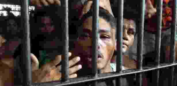 Quantidade de presos do Brasil é o dobro do número de vagas na cadeia - Beto Macário/UOL