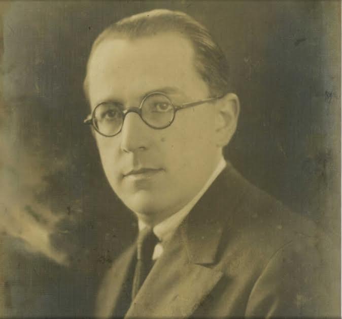 Luiz Ignácio de Anhaia Mello nasceu em São Paulo em 1891. Foi vereador de 1920 a 1923 e prefeito de 1930 a 1931. Foi o primeiro diretor da FAU-USP e presidiu a Comissão do Plano da Execução da Cidade Universitária. Morreu aos 82 anos em janeiro de 1974