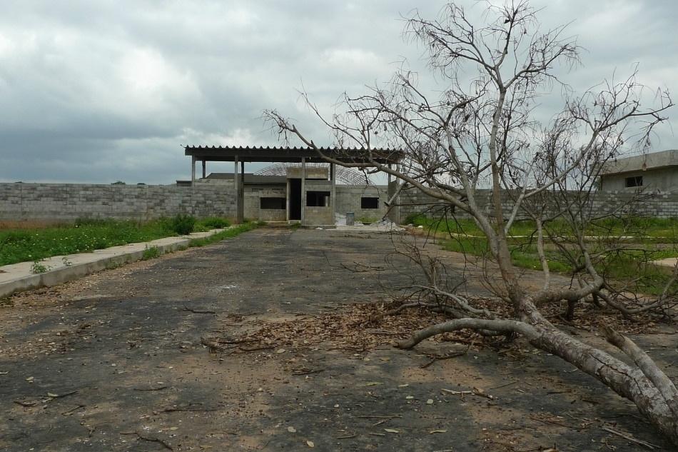 21.jan.2014 - Entrada da nova prisão que está sendo construída em Imperatriz, no Maranhão