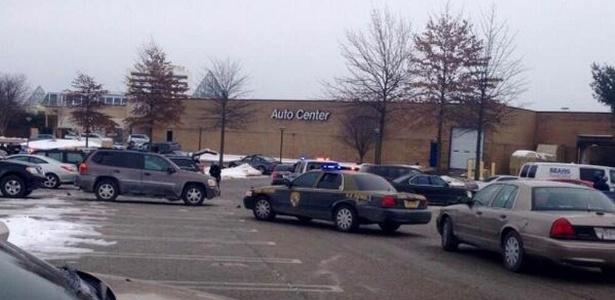 Um homem armado abriu fogo neste sábado (25) em um shopping em Columbia, no Estado americano de Maryland. Segundo a NBC, entre uma e quatro pessoas podem ter sido baleadas - Reprodução/Twitter