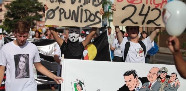 Protesto em 2014 pedia justiça às vítimas do incêndio na boate Kiss em Santa Maria (RS)