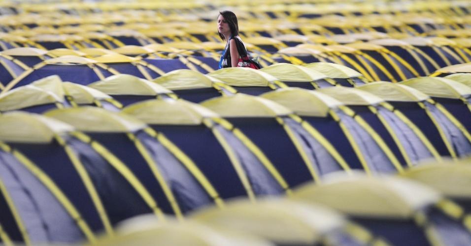Na sua sétima edição, a Campus Party Brasil vai até o dia 2 de fevereiro no Anhembi Parque, em São Paulo. O evento reúne fãs de tecnologia que aproveitam uma conexão de 40 Gbps (Gigabits por segundo) e teve os 8.000 ingressos esgotados. Acima, vista da área de camping