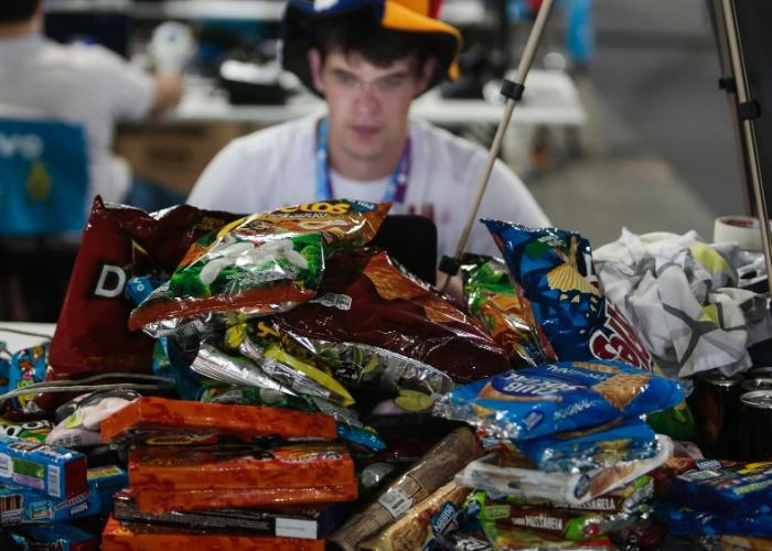 Campuseiros levam ao evento com estoque de mantimentos, para enfrentar o evento com uma semana de duração
