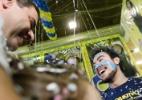 Calouros comemoram aprovação na 1ª chamada da Fuvest 2014 - Reinaldo Canato/UOL