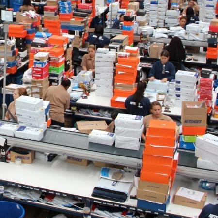dfc6c822a3 Magazine Luiza iguala oferta por Netshoes a valor proposto por ...