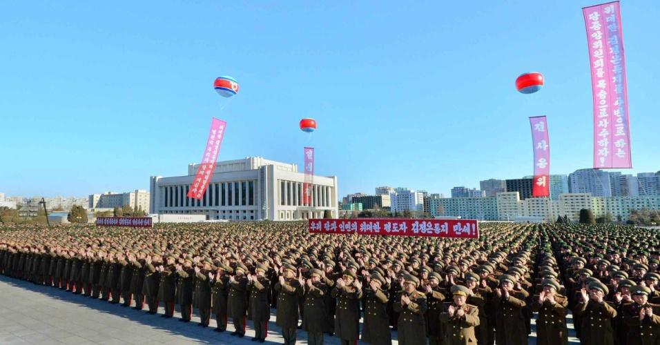4.fev.2014 - Imagem divulgada nesta terça-feira (4) mostra comício para nomear o líder Kim Jong-Un como candidato a deputado na 13ª eleição da Assembleia Suprema