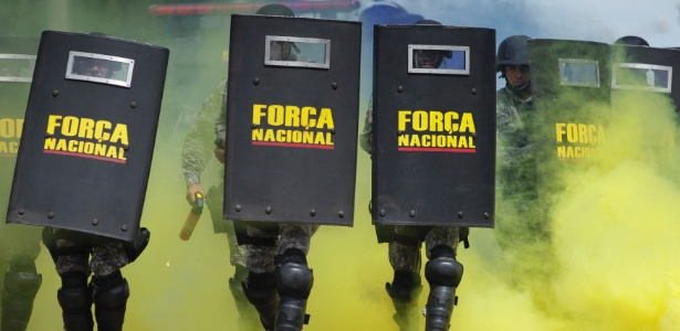 Força Nacional de Segurança realiza treinamento para a Copa: legislação deve separar manifestante de terrorista