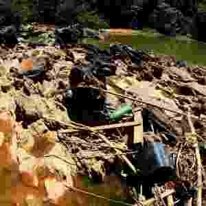 4.fev.2014 - Rio Atibaia, na região de Campinas, interior de São Paulo está com nível de água reduzido, devido à falta de chuvas no Estado - Denny Cesare/Futurapress/Estadão Conteúdo