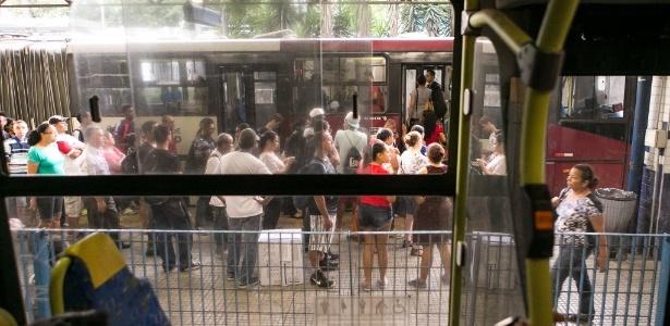 Oposição a Alckmin foi à Justiça para suspender parte dos aumentos de tarifa - Rodrigo Capote/UOL