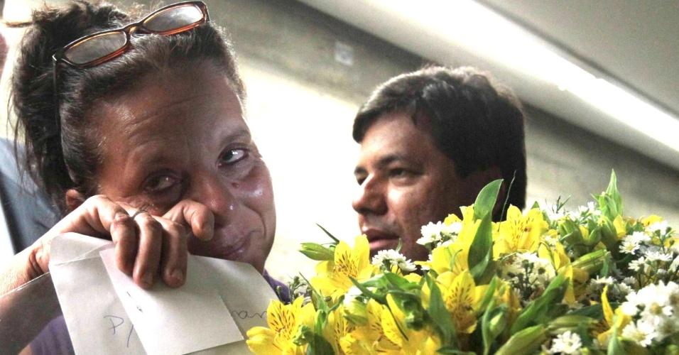 5.fev.2014 - A médica cubana Ramona Matos Rodriguez, 51, que deixou o programa Mais Médicos, se emociona após protocolar pedido de asilo político ao Brasil no Conare (Comitê Nacional para os Refugiados)