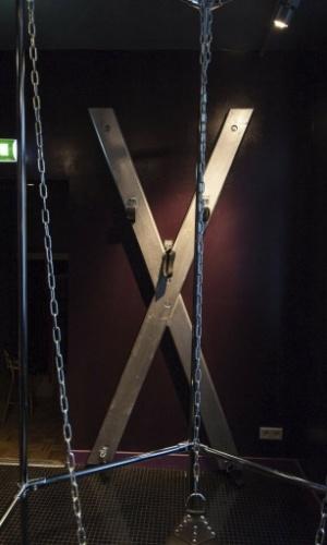 6.fev.2014 - Imagem do museu da prostituição, em Amsterdã, Holanda, mostra um quarto dedicado ao sadomasoquismo. O museu, o primeiro do tipo no mundo, abre suas portas nesta quinta-feira para mostrar os bastidores de uma profissão legalizada na Holanda, mas que não fica livre de estigmas sociais